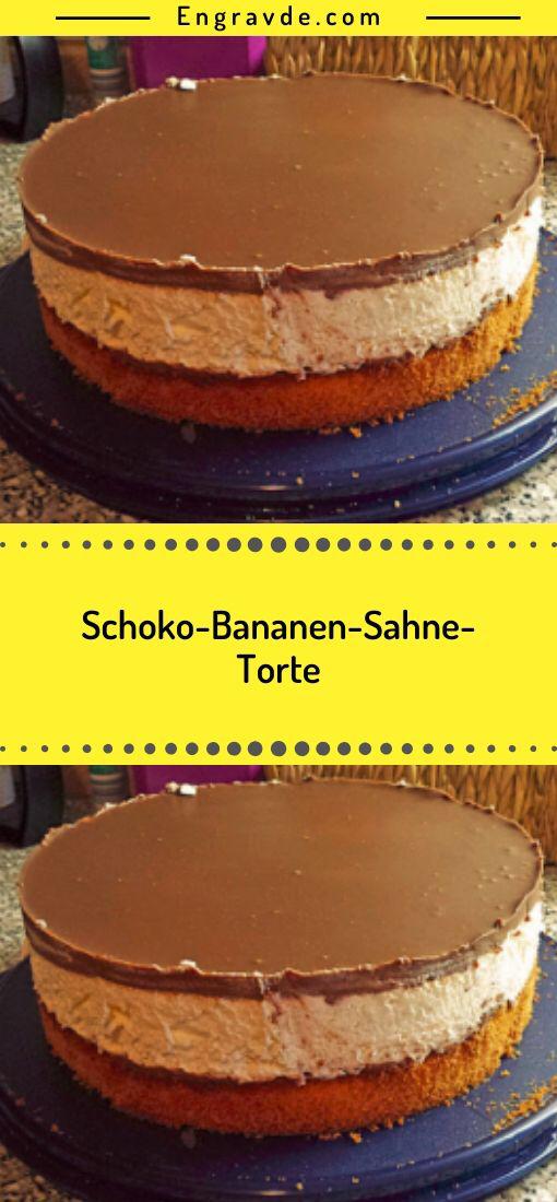 ZUBEREITUNG Bananen-Schoko-Sahne-Torte Ein rundes Backblech mit Backpapier auslegen und Rand etwas mit Öl fetten. Teig gleichmäsig hineingeben und im vorgeheizten ofen 30 Minuten backen! … Derweil in etwas Milch Puddingpulver und Zucker einrühren. … Biskuit wieder in die #essenundtrinken
