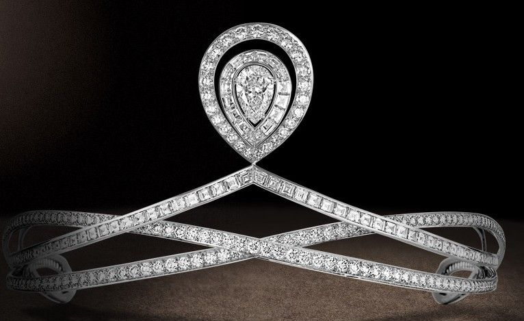 Chaumet modern diamond tiara Chaumet Biennale des Antiquaires, 2012.