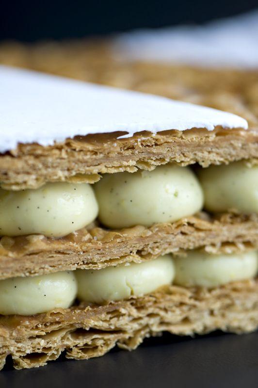 Mille-feuilles by La Pâtisseries des rêves... (je déteste ce gâteau mais là ça peut donner envie de s'y perdre)