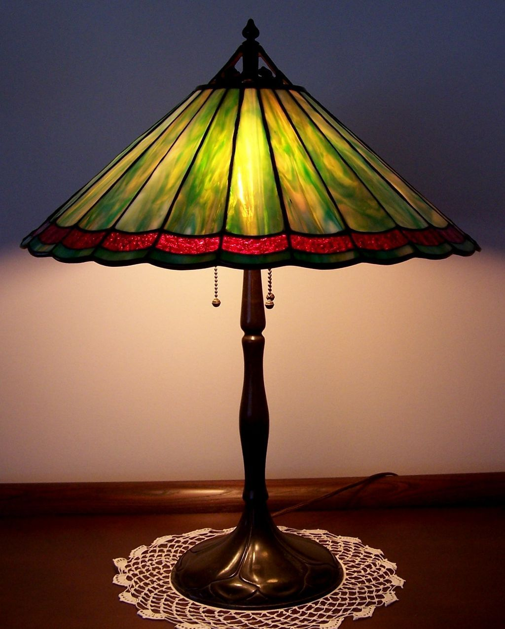 Antique handel leaded glass table lamp