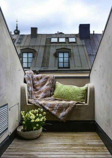 25 idee per arredare un balcone piccolo piccolo | Balcony design ...