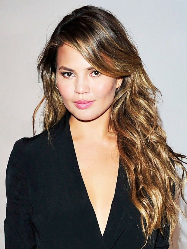 Chrissy Teigen's look is fresh, golden, and softly sexy. // #Beauty