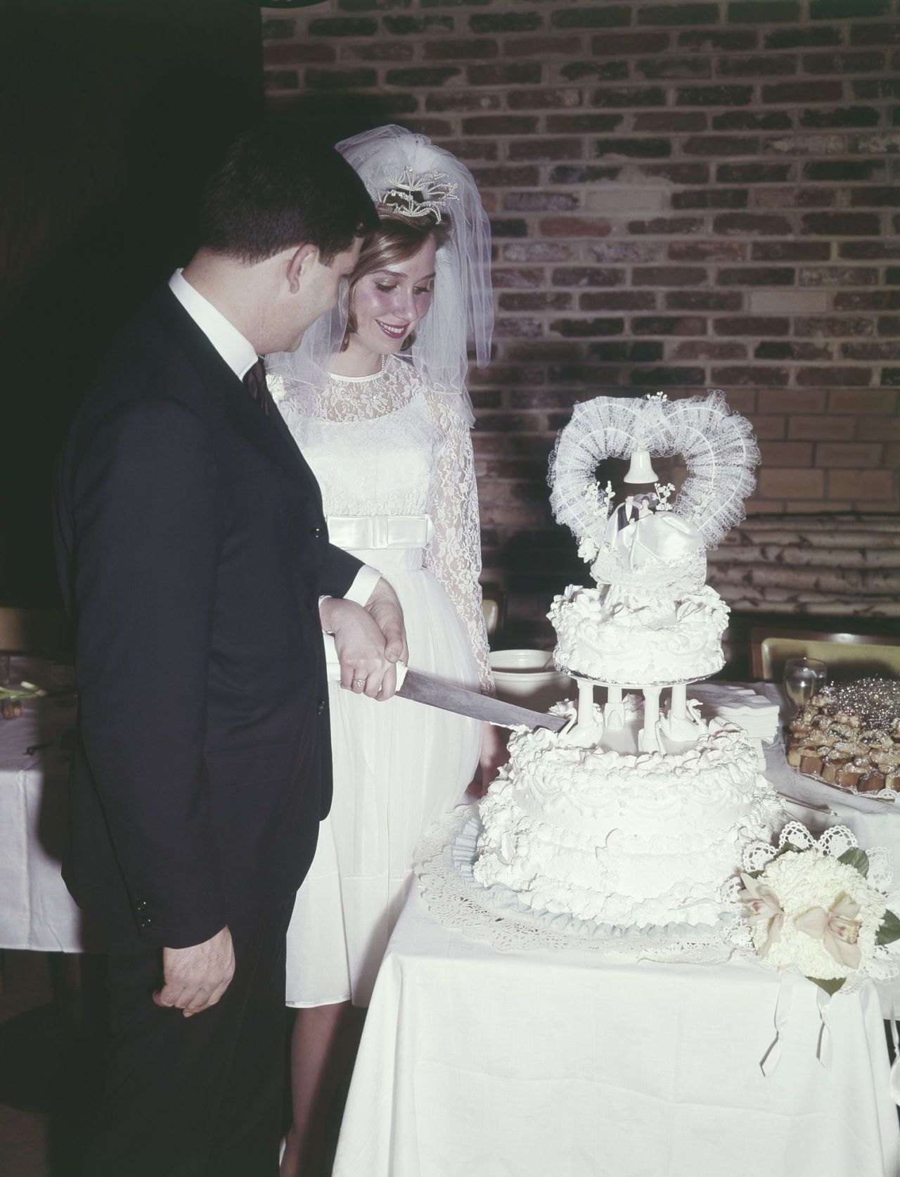 12 Vintage Wedding Traditions That Should Have Never Gone Out of Style