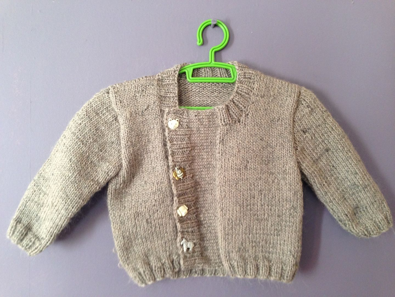 f746318cd5b05 Où trouver des explications pour tricoter un gilet d'enfant 12 mois ...