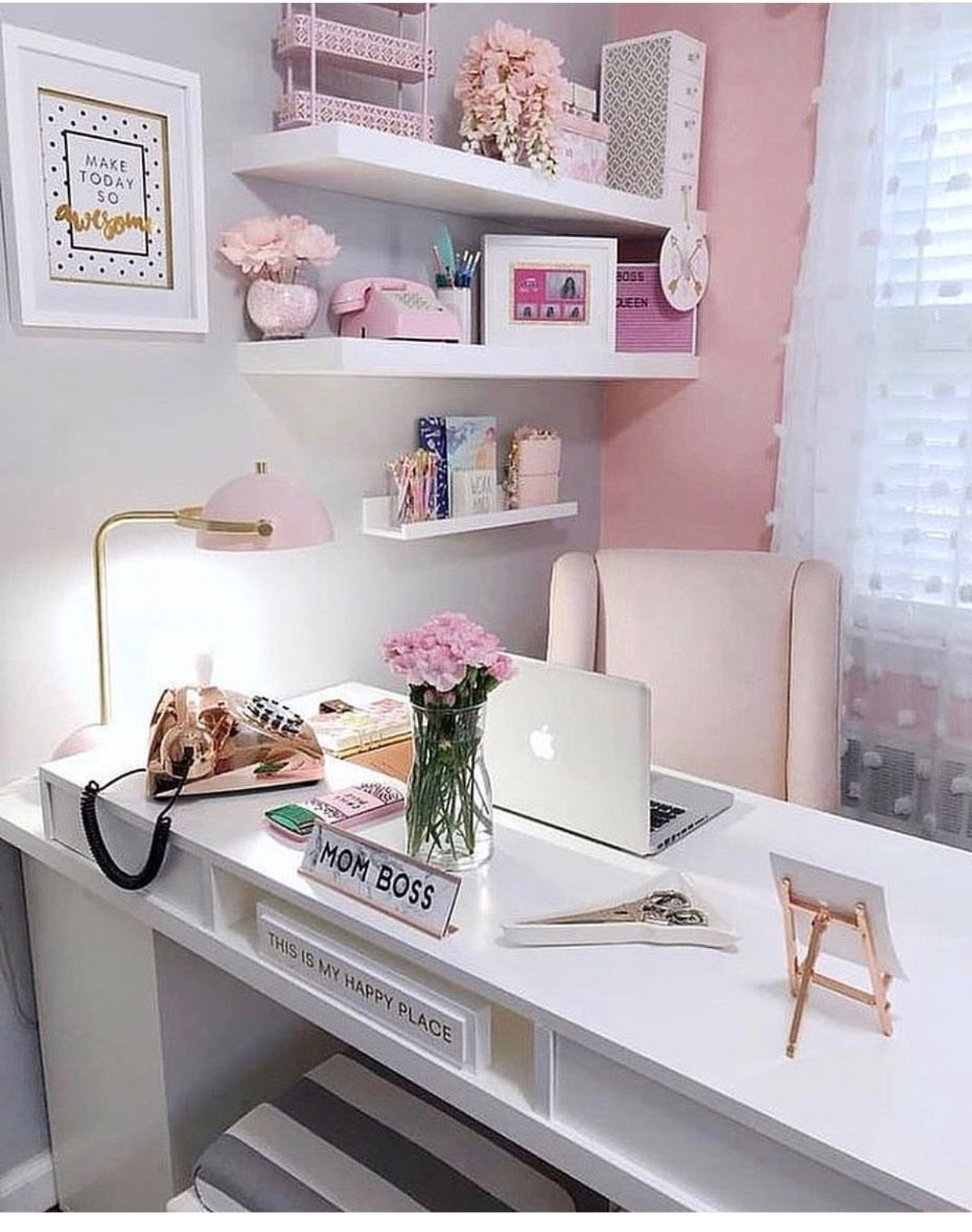 Here Are Some Modern Chic Office Decor Ideas For Interior Design For The Office Work Space Interiordesi Pink Home Offices Chic Office Decor Home Office Decor