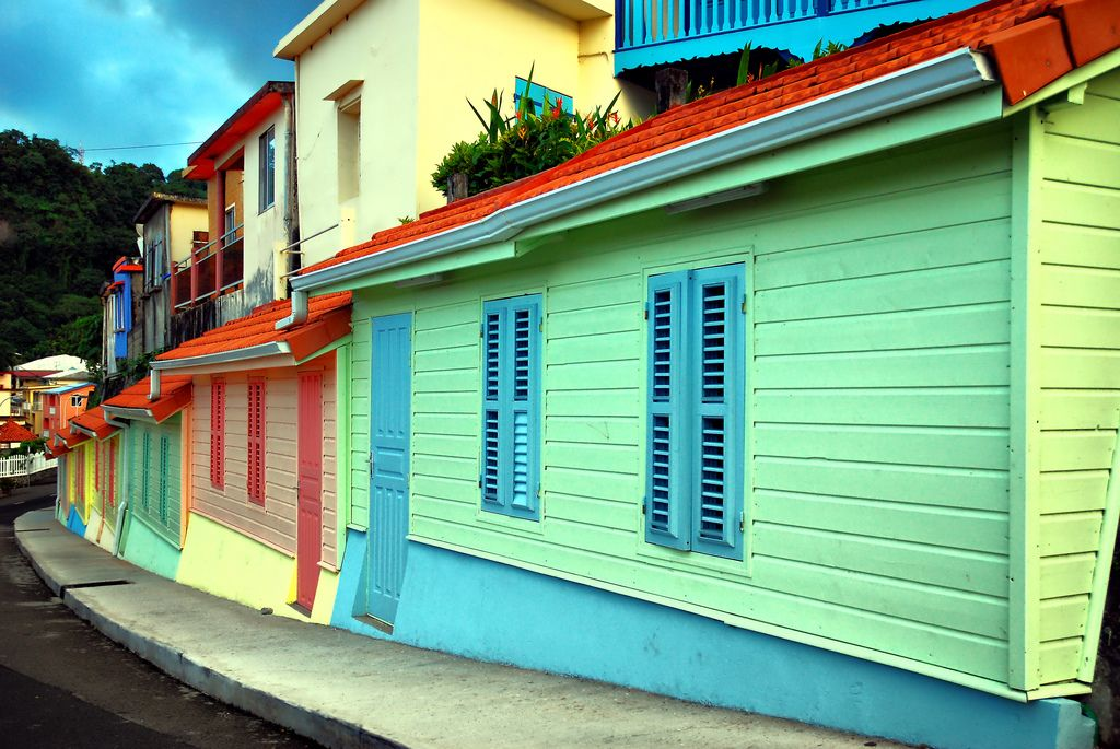 Martinica casas de colores Pinterest Tour operator, Voyage and