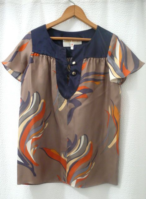 $250 Lauren Moffatt 100% silk blouse with painterly pattern and gold buttons