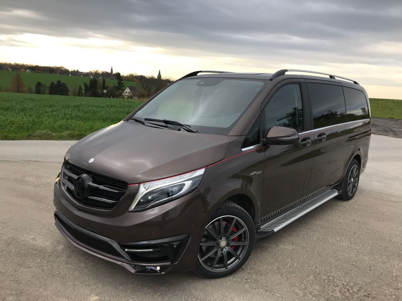 Mercedes V Class With Black Crystal Tuning Package By LARTE Design