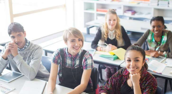 Does Research Support Letting Students Use Cell Phones for Learning?
