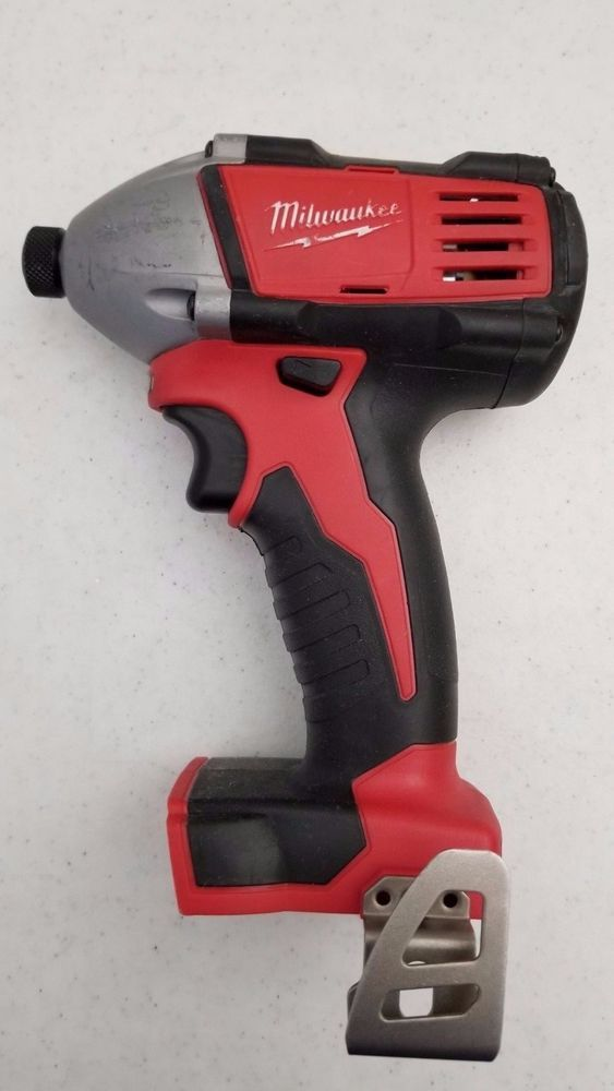 """NEW MILWAUKEE 2668-21CT M18 3//8/"""" CORDLESS RIGHT ANGLE IMPACT DRIVER WRENCH KIT"""