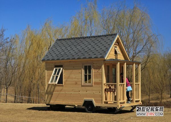 Log Home On Wheels Very Small House On Wheels Camper Tiny