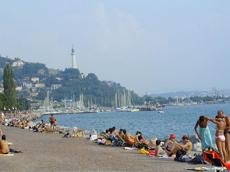 Barcola trieste trieste andare al bagno pinterest trieste adriatic sea and italy - Bagno ferroviario trieste ...
