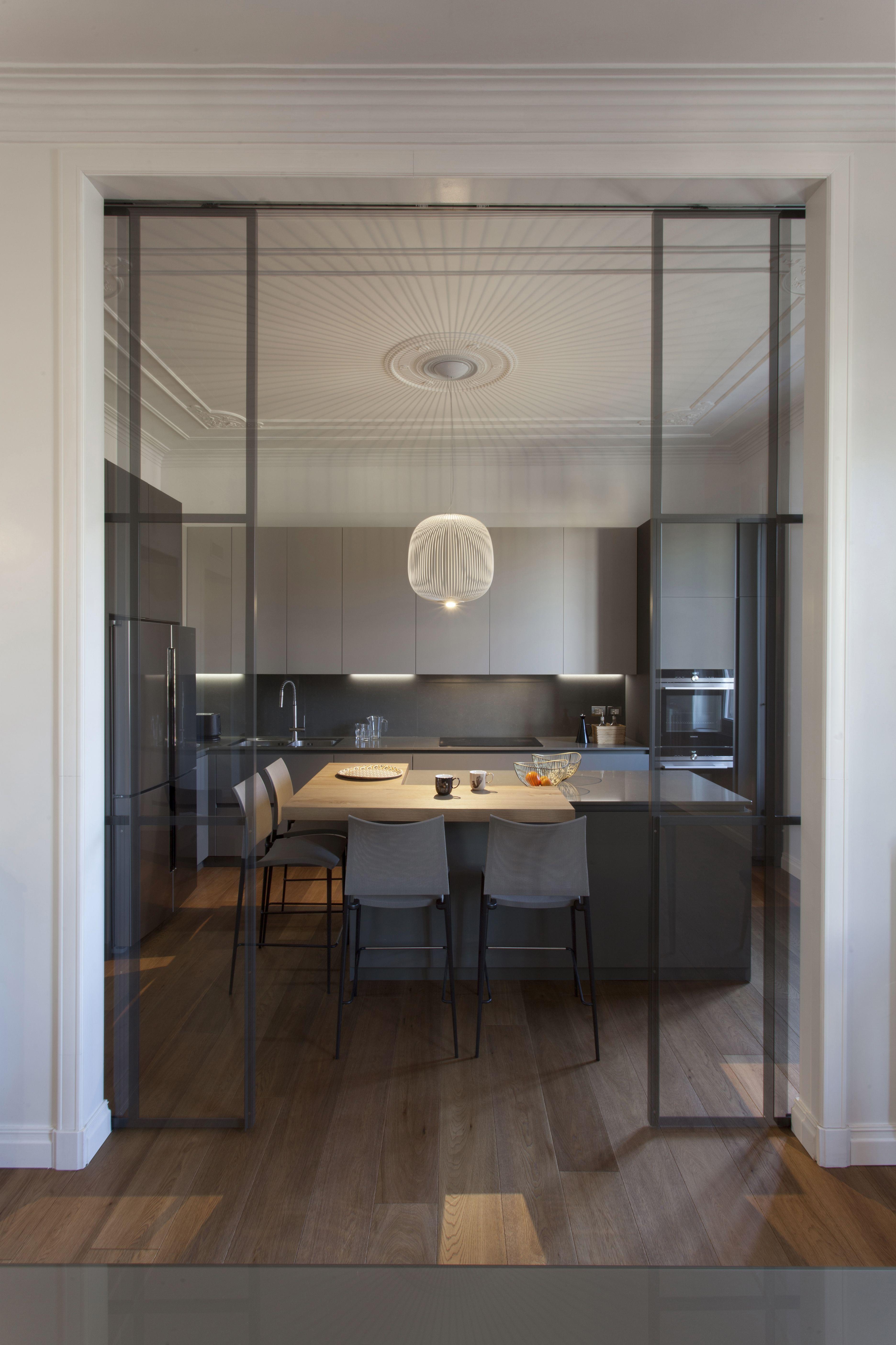 Cucina Con Isola Illuminazione Dettagli Interni Arredamento Sala E Cucina Arredo Interni Cucina Arredamento Moderno Cucina