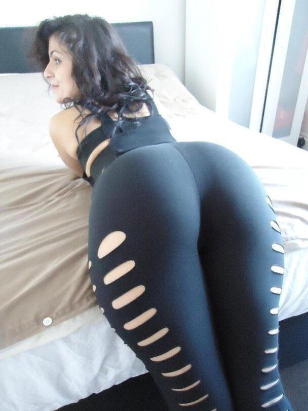 Big booty women in spandex