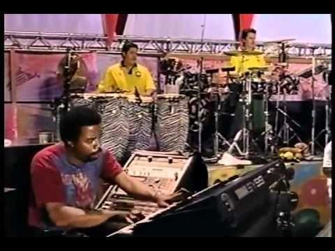 ▶ Santana - Black Magic Woman (Woodstock 1994) - YouTube