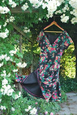 Foxgloves and thimbles: The Joi dress