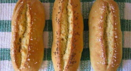 http://www.bajecnerecepty.sk/recipe/bajecne-chrumkave-domace-rozky/