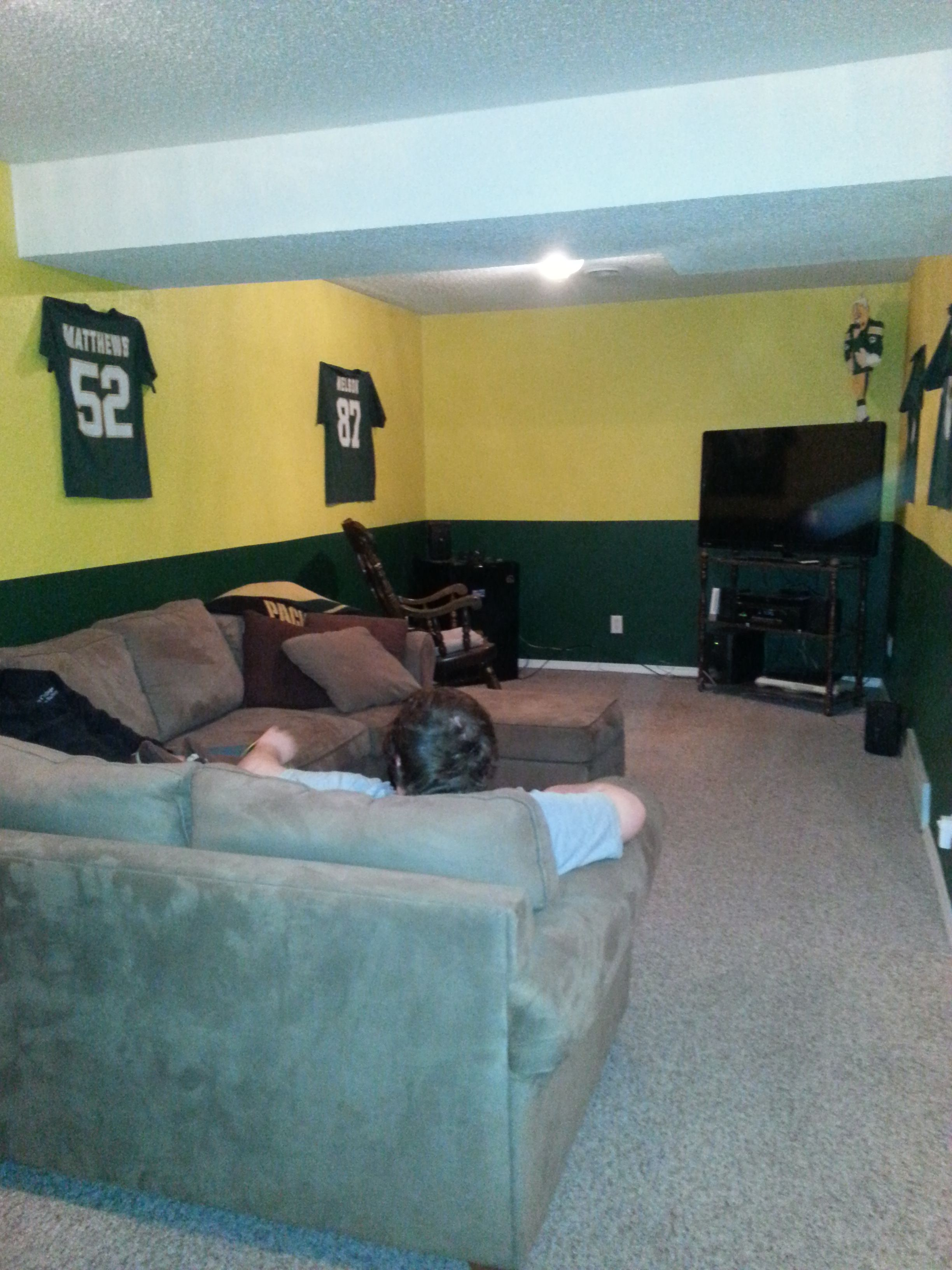 My Hubby S Man Cave Green Bay Packer Room Green Bay Packers Room Football Rooms Green Bay Packers