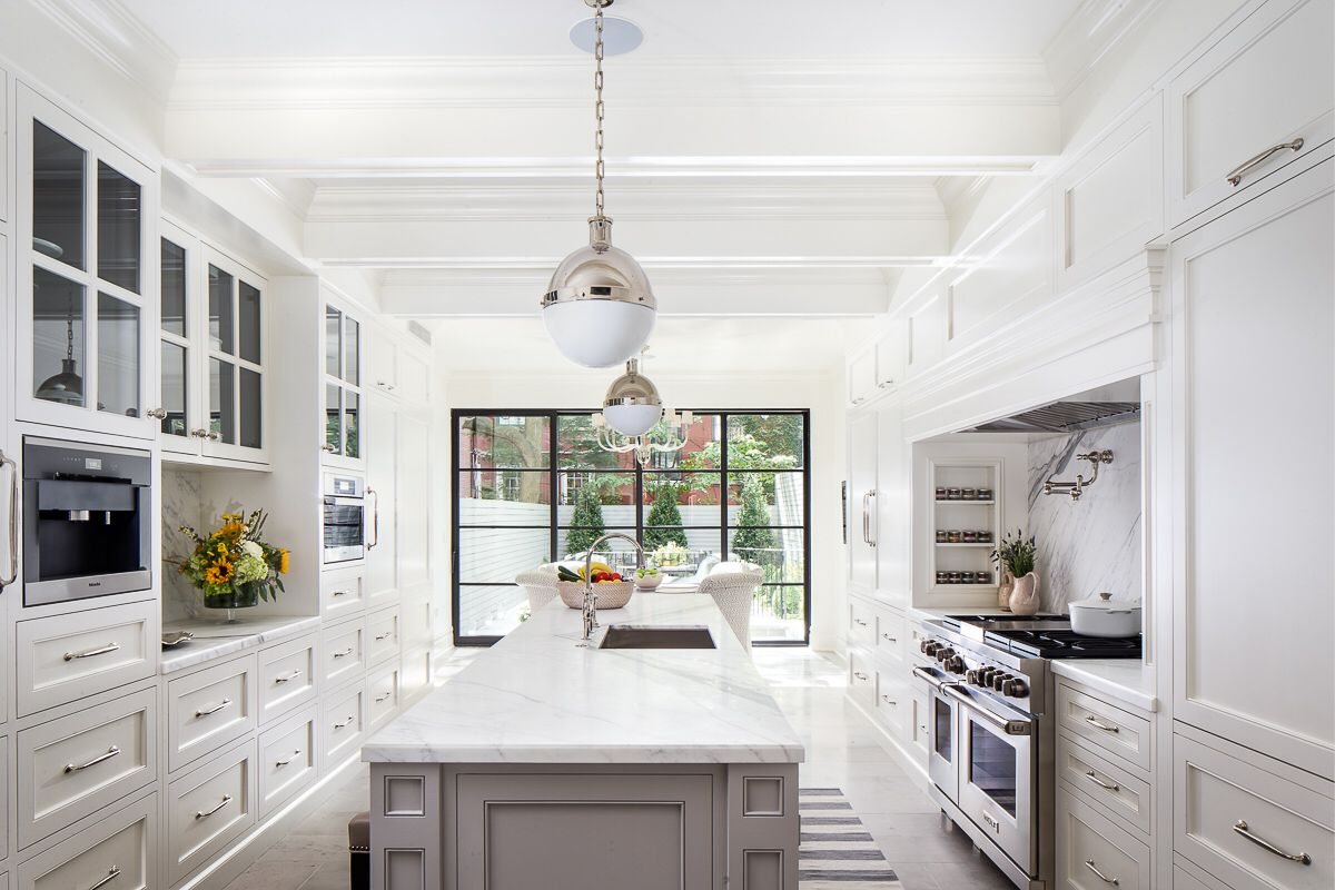Nyc Townhouse Kitchen Designed By Bryan Eure Cabinetry By Fanuka Inc Pewter Limestone Floor By Ann Saks Honed Calcutta Home Kitchen Design Chelsea House
