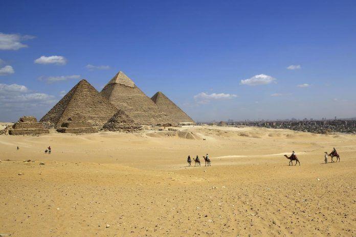 Τσίπρας Γεροβασίλη και Κουντουρά επισκέφτηκαν τις πυραμίδες (εικόνες)
