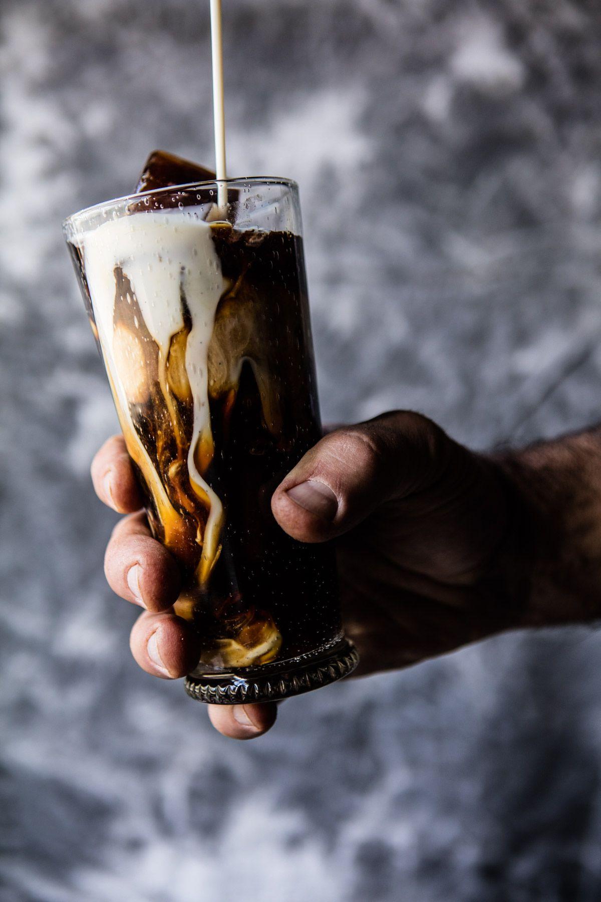 Meine perfekte Vanilla Bean Eiskaffee |  halfbakedharvest.com @ hbharvest