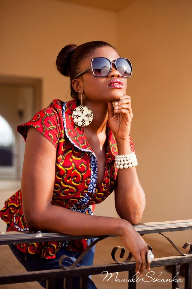 The cut!!!  #Africanfashion #AfricanWeddings #Africanprints #Ethnicprints #Africanwomen #africanTradition #AfricanArt #AfricanStyle #Kitenge #AfricanBeads #Gele #Kente #Ankara #Nigerianfashion #Ghanaianfashion #Kenyanfashion #Burundifashion #senegalesefashion #Swahilifashion ~DK