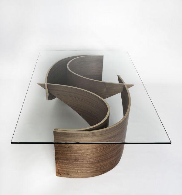Il tavolo di Wave Coffee si compone di quattro lamierini