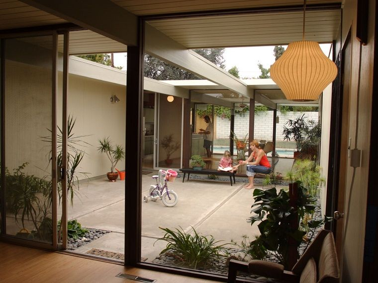 vivienda con patio interior y tejado extensible Finca Pinterest