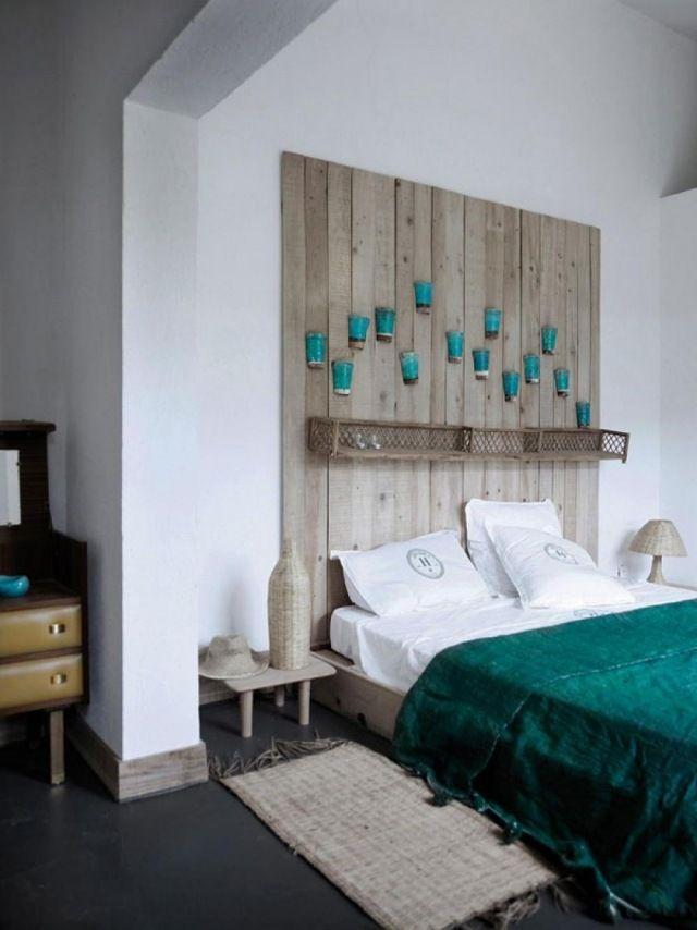 Meuble crée à partir de bois recyclées provenant de vieilles - peindre un lit en bois