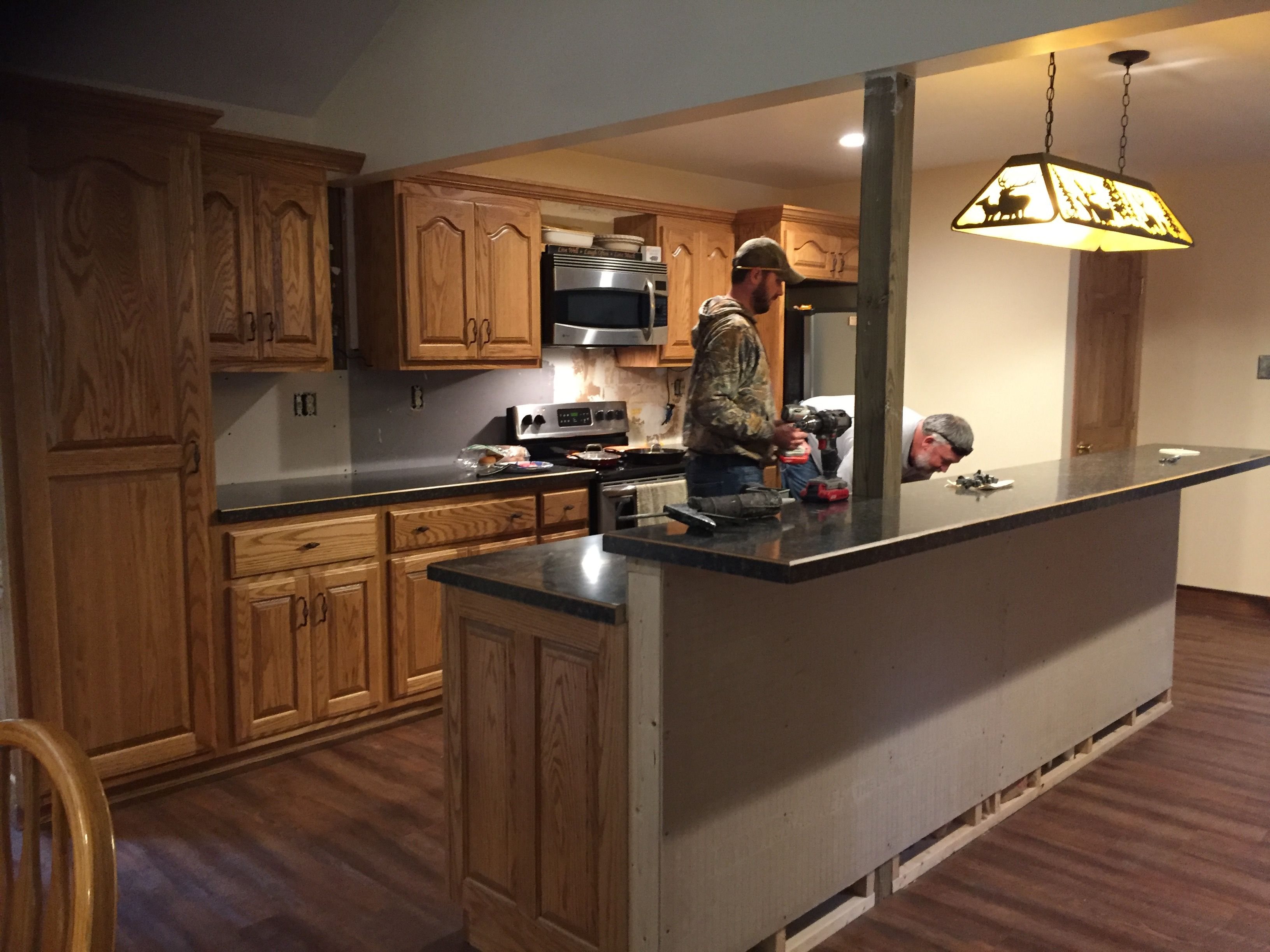 Installing Countertop With Oak Trim Kitchen Remodel How To Install Countertops Rustic Kitchen