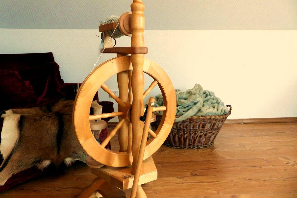 wolle spinnen mit dem spinnrad schritt f r schritt anleitung f r anf nger spinnen spinnrad. Black Bedroom Furniture Sets. Home Design Ideas