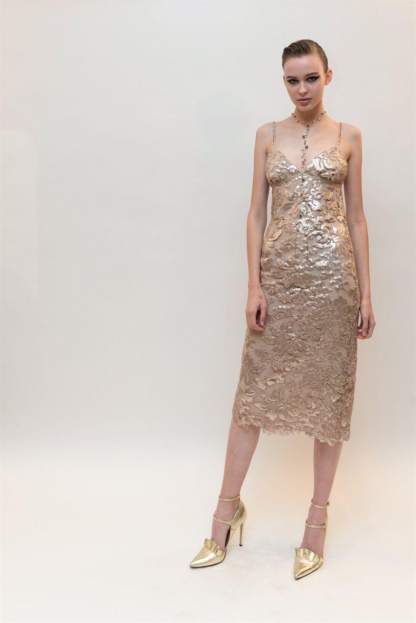 Smart Couture Motivi  la collezione accessibile di Francesco Scognamiglio -  Vogue.it e10e3985a16a