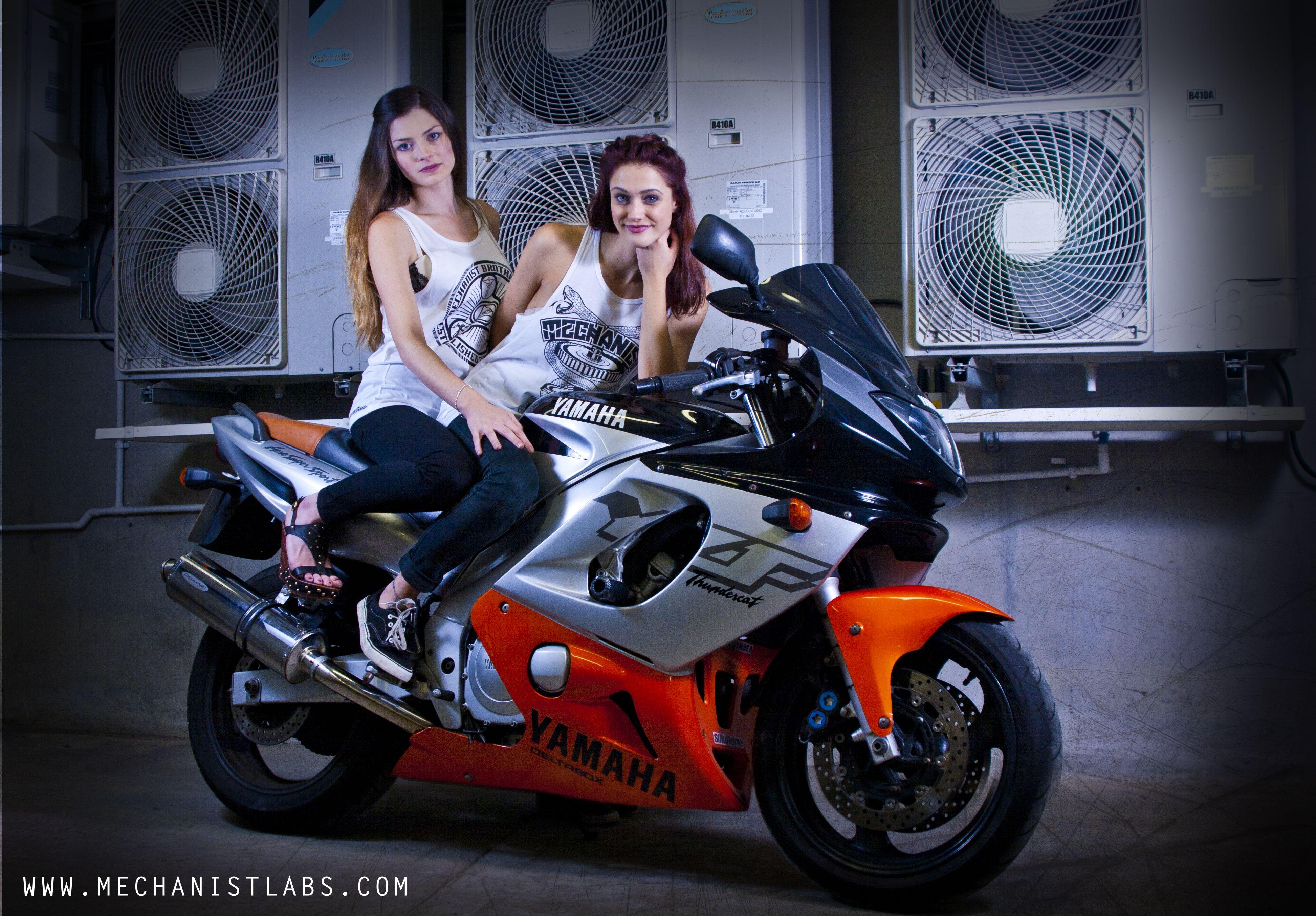 Sexy Girls on my Thundercat 385adf98b5a74b36ac899738408471c8