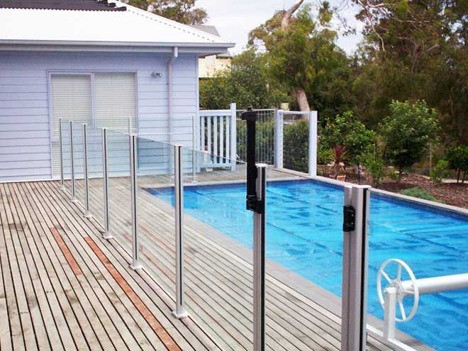 Pool fencing ideas pool fencing ideas home ideas for Pool fence designs