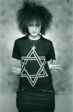 Simon Fowler: Siouxsie Sioux.  She demands that you look at her no matter what, but she could be so delicate and vulnerable. I dig that.