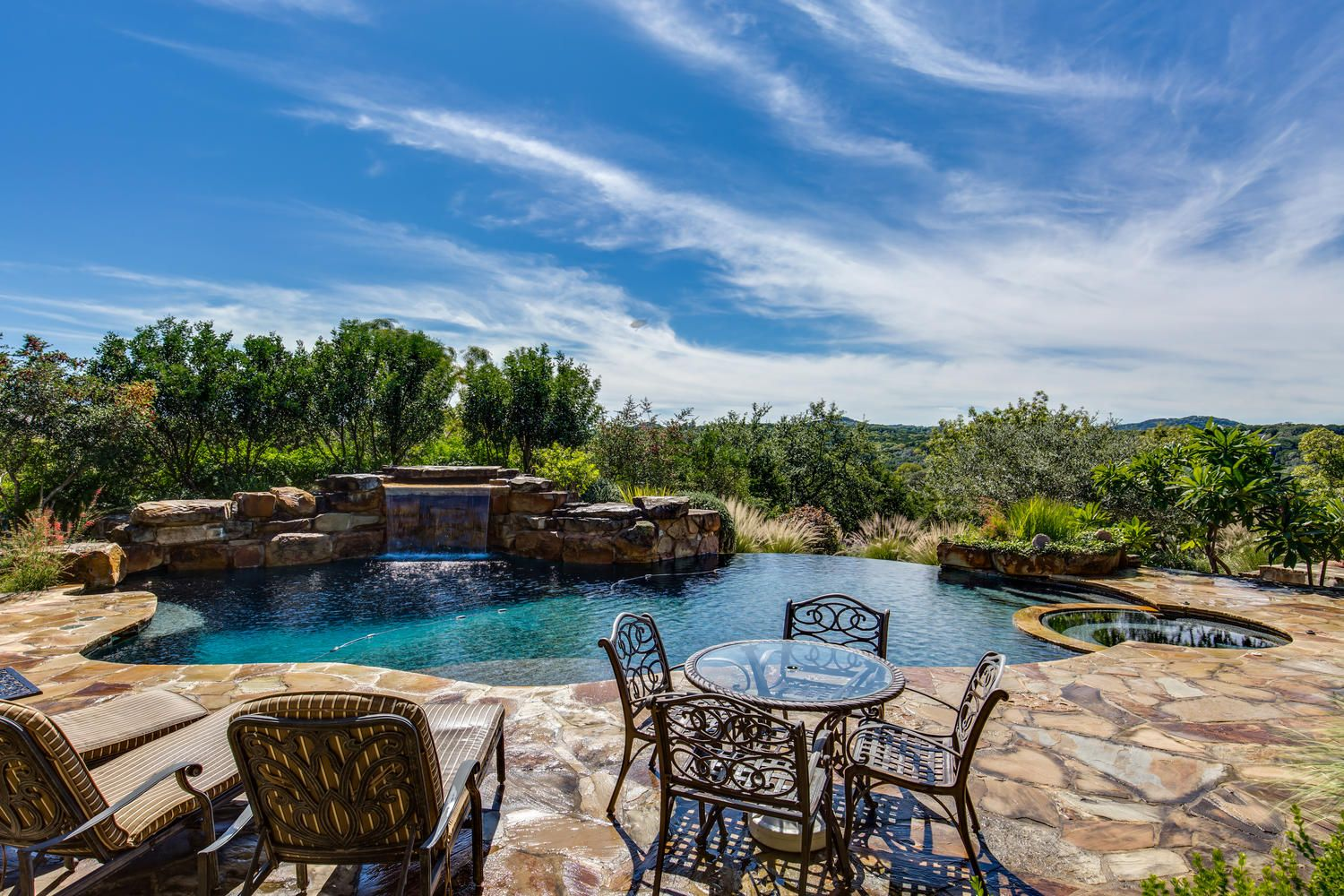 homes for sale with swimming pools in san antonio texas