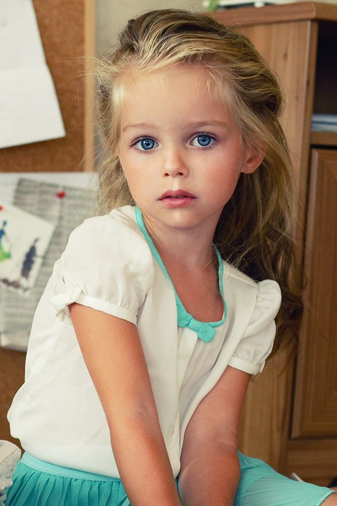 blonde young girl model Cute
