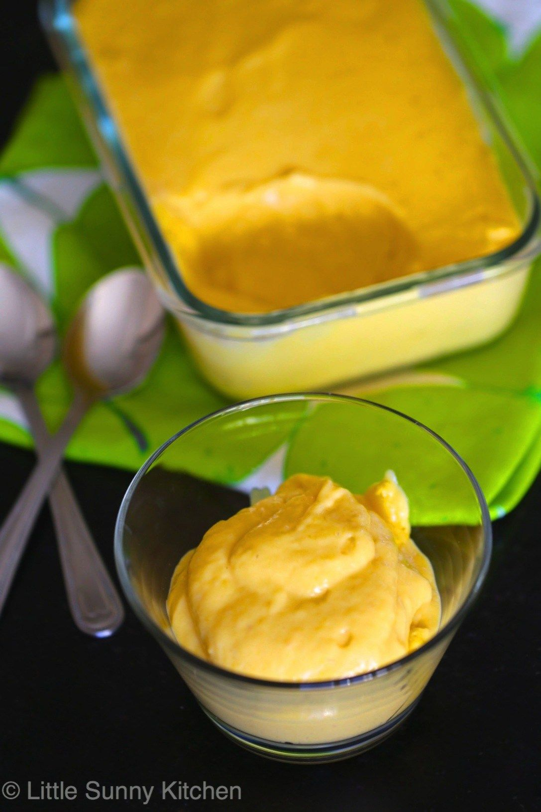 3 ingredient mango mousse More