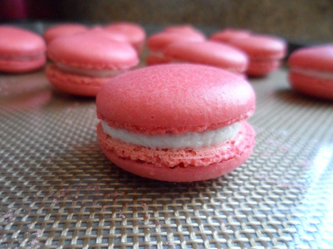 DIY: red velvet french macaron (small batch) | Wedding Favors ...