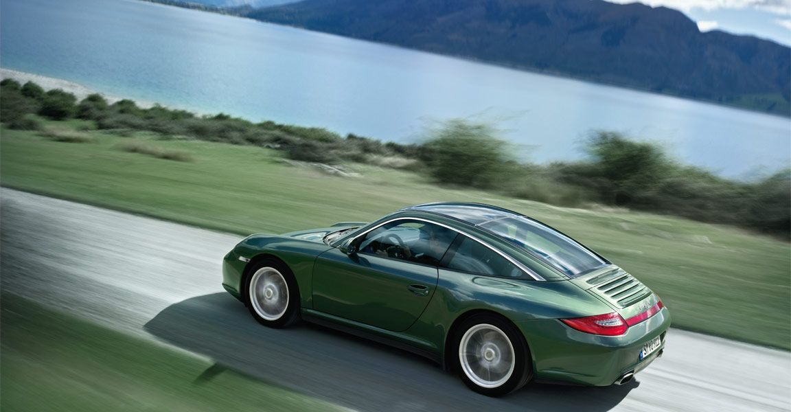 Green looks good on a Porsche.