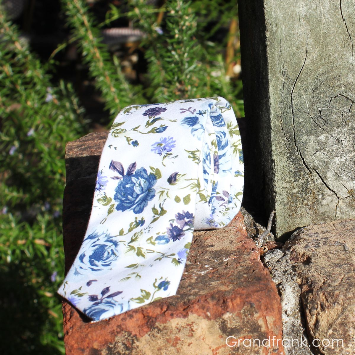White and blue floral, smells like summer! By #grandfrank