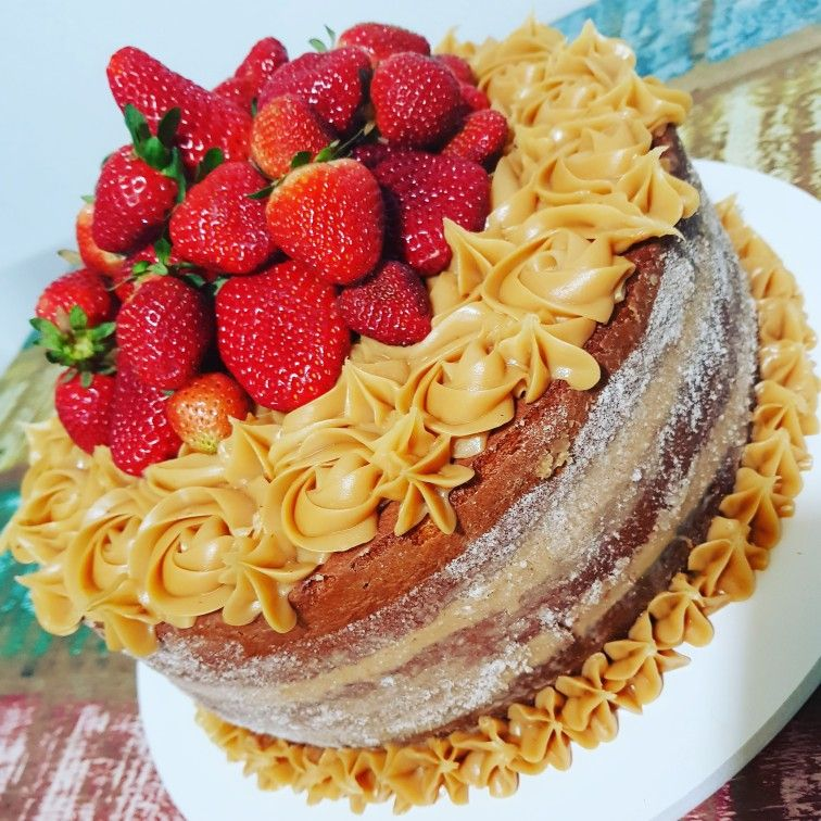 Naked Cake Trufado - Um Ano de Blog - CONFEITANDO