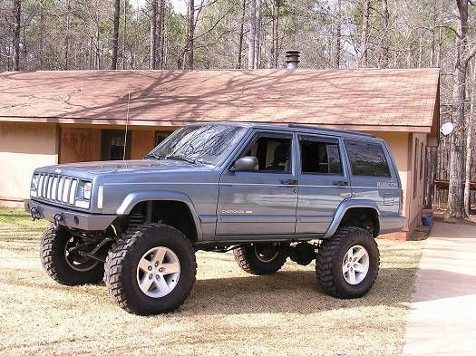 Clean 99 Xj For Sale With 7 5 Lift Naxja Forums North