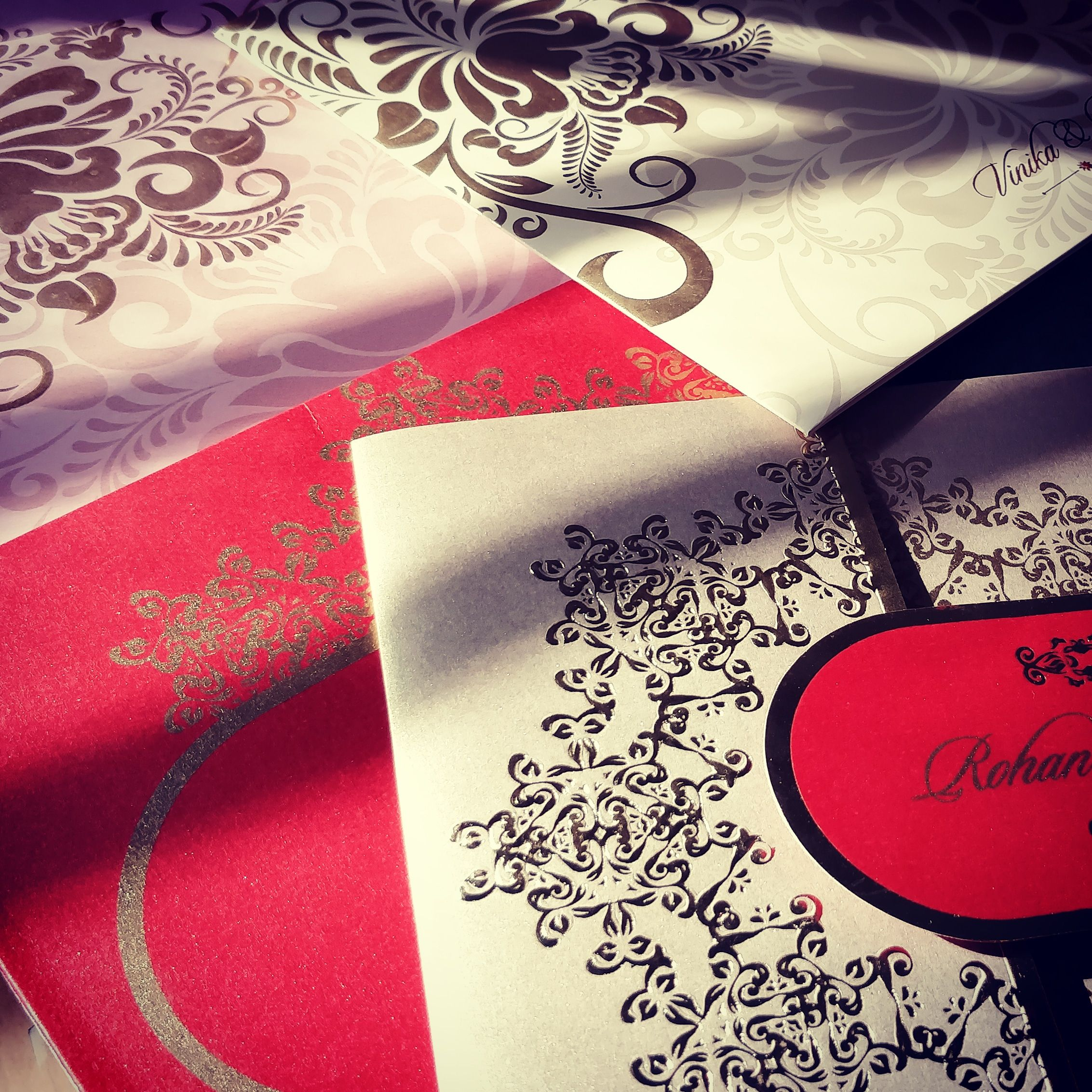 Sun kissed! Wedding invitations with #golden design and colour ...