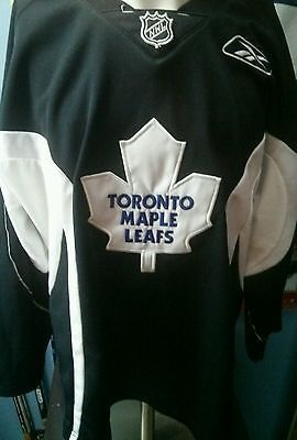 meet ca325 118b1 Details about Toronto Maple Leafs youth Reebok practice ...