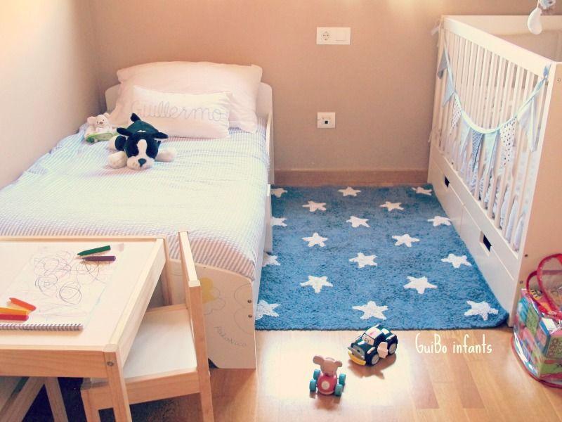 cojines y banderola de guibo infants cama junior de imaginarium y cuna de ikea