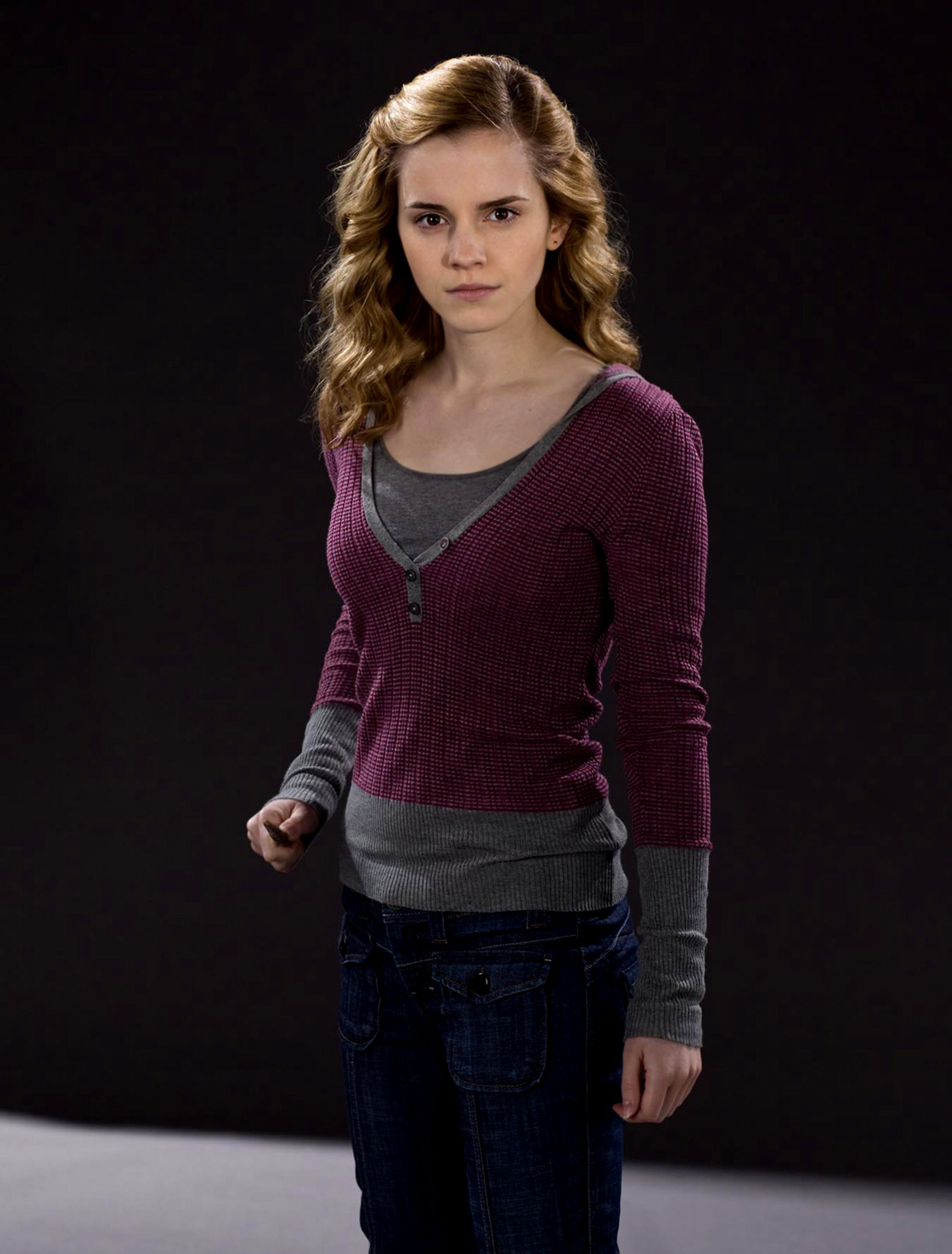 Pin By Chasing Tee On Harry Potter Emma Watson Harry Potter Hermione Granger Outfits Hermione Granger