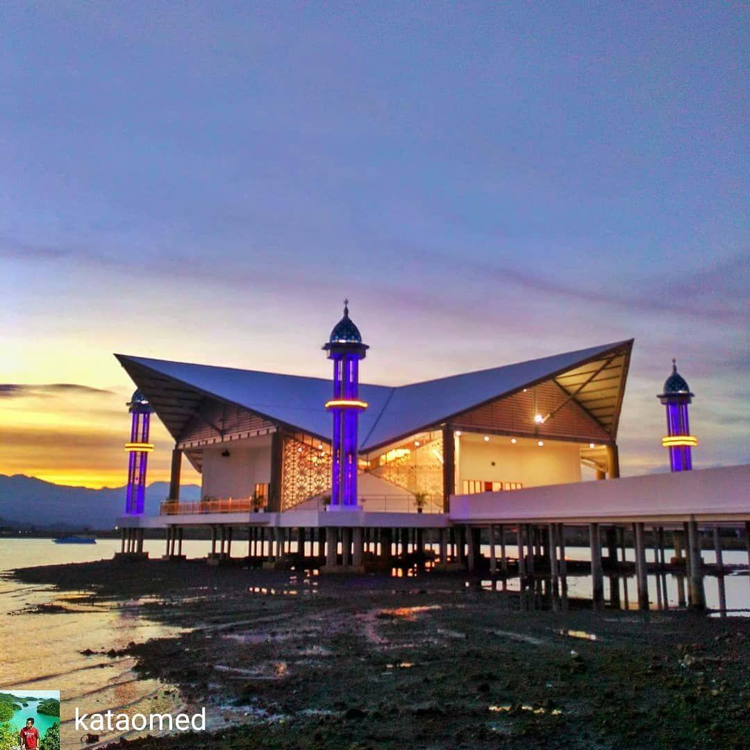 Masjid Terapung Kota Bima Sydney Opera House House Styles Mansions