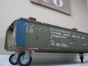 Opbergbox oude legerkist op wielen voor in jongenskamer thuis