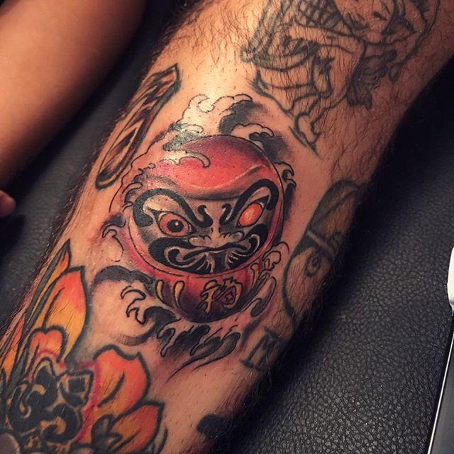 Haciendo lo que más nos gusta...Para cualquier tatuaje o983270312  #enlaputacasa #tattooguayaquil #tattoo #orientaltattoo #darumatattoo